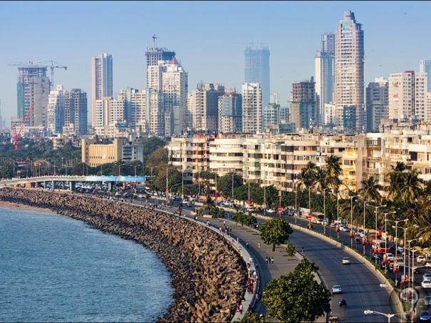 Места Индии, которые стоит обязательно посетить 1. Бангалор Этот город, рассадник бурноразвивающихся высоких технологий, кишит предпринимателями всех мастей в сфере IT. Именно бум инвестиций и