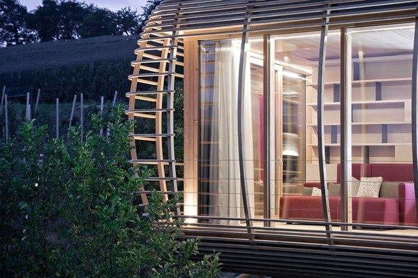 Архитектурное бюро из Берлина Studio Aisslinger разработало концепт Fincube — дома, который легко может быть разобран и собран уже в другом месте.