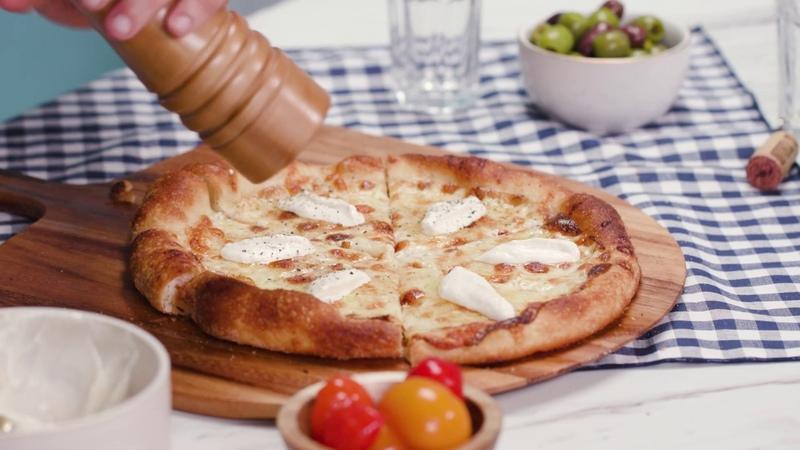 Cacio E Pepe Pizza With Daniele Uditi | Like a Chef