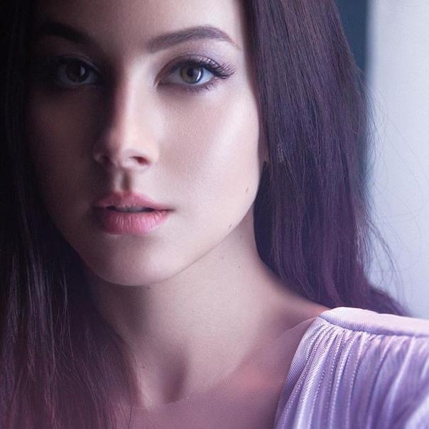 Анастасия Кожевникова: Глаза - как зеркало души и отражение внутреннего мира. У меня зеленые. А у вас? ) #анастасиякожевникова #глазазеркалодуши #глаза
