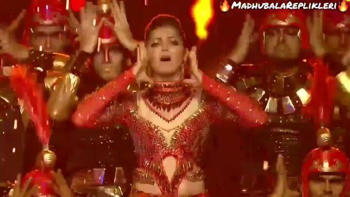 """Madhubala 🌼 Replikleri on Instagram """"Ben . Böyle dans 🔥😃🙊 görmedim evet devamı geldi iyi seyirler 👏😘😃😃😇😻🔥 (@dhamidrashti @viviandsena) Folow 👉@yal..."""