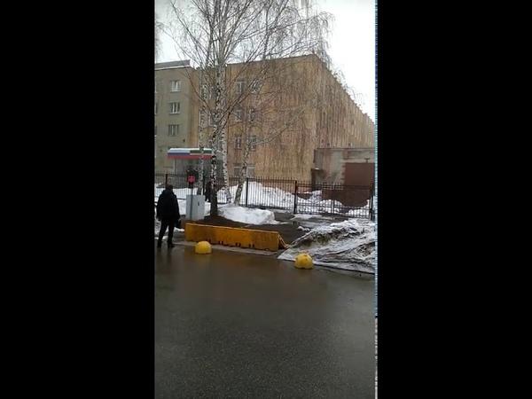 В Нижнекамске мужчина зарезал полицейского у здания УМВД и был застрелен Ни разу не постанова