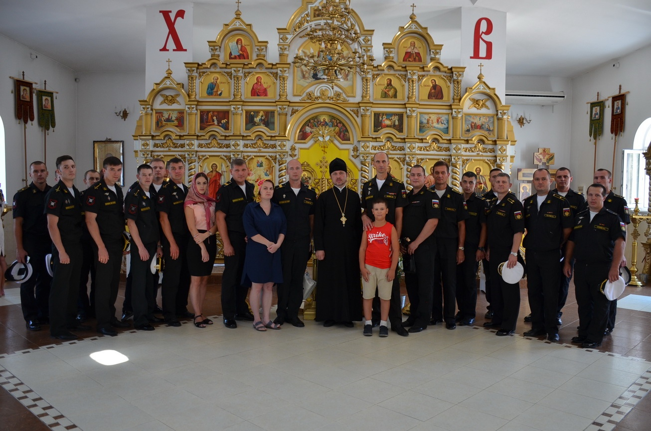 Встреча священнослужителя с военнослужащими