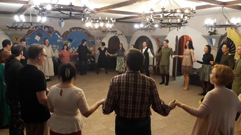 Бранлі Пінагей і Шарлотта Вечар старадаўніх танцаў у МПДіМ