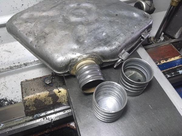 Крышка для канистры Вытягивание цилиндра из алюминиевой пластины и ротационное вытягивание резьбы У меня получилось