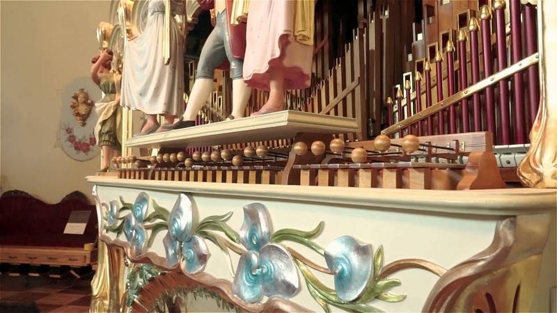 Bohemian Rhapsody Played by 100 year old fairground organ