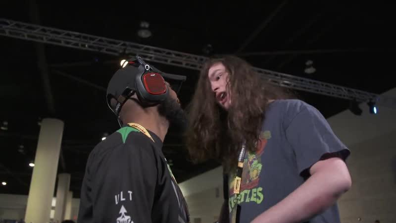 Киберспортивный матч по Mortal Kombat 11 закончился перепалкой между игроками.