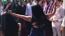 Танцуют румынские цыганочки
