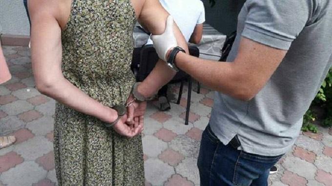 В КЧР женщина организовала наркопритон