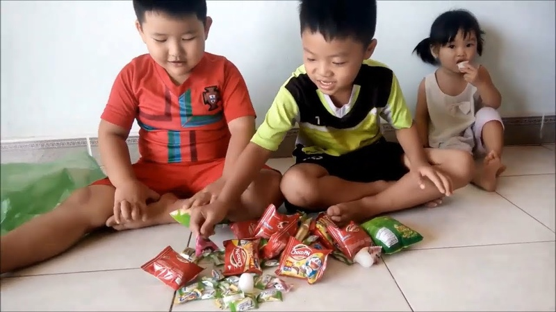 Trò Chơi Hát Màu Sắc Bánh Kẹo Của Các Bạn Nhỏ || Thanthu Kids TV