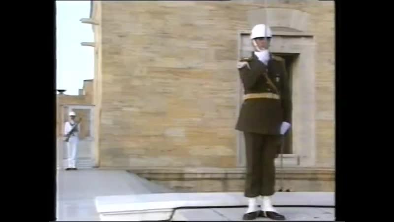 Заставка, диктор, программа передач и конец эфира (TRT TV2 [Турция], 02.08.1991)