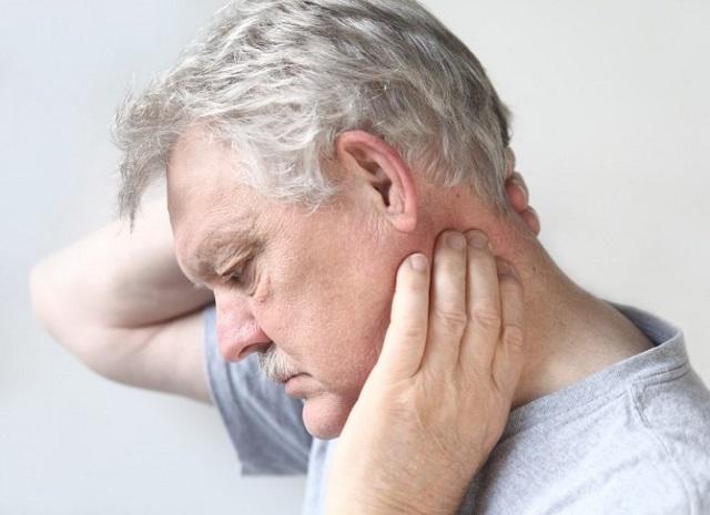Как лечить грыжу межпозвоночного диска на шее?