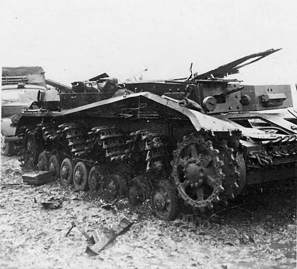 ПОДОЛЬСКИЕ КУРСАНТЫ ПРОТИВ ТАНКИСТОВ ВЕРМАХТА НА ИЛЬИНСКОМ РУБЕЖЕ 16 октября 1941 года на Ильинском рубеже группе немецких войск из 19-й танковой дивизии вермахта удалось обойти по правому