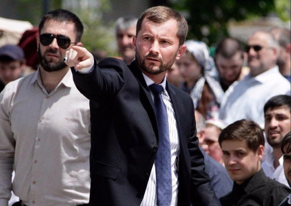 Министр культуры Чечни отчитал певцов, которые поют без согласования с властями республики
