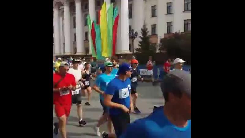 Тюменцы бегут полумарафон Стальной характер Автоград по улицам города Пробежать 21 км