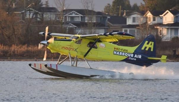 Первый в мире полностью электрический самолет совершил полет над Канадой