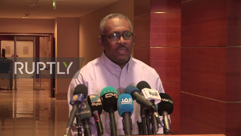 Sudan: Arab League leader calls for civil government during Khartoum visit
