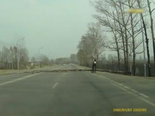 Нападение дерева на велосипедиста Хабаровск