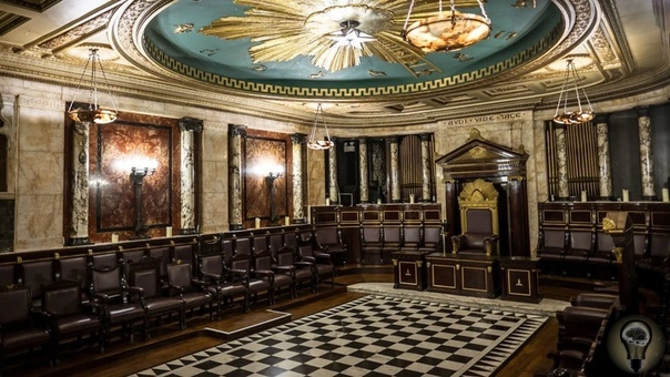 Масонский храм 100 лет был замурован в центре Лондона Масоны славятся умением надежно хранить свои тайны, но масонский храм в отеле «Андаз» оказался настолько секретным и спрятан настолько