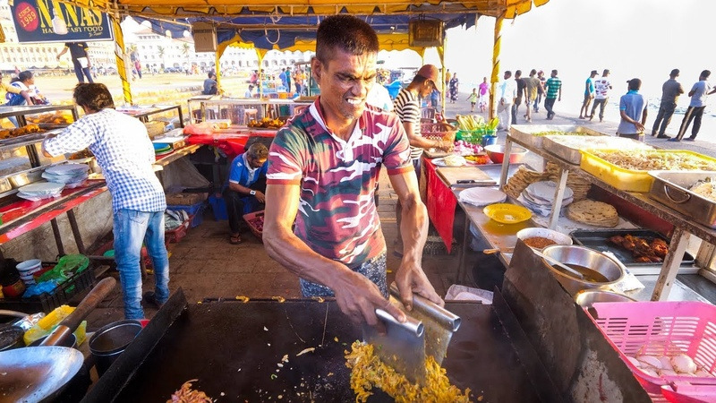 Street Food in Sri Lanka - ULTIMATE FOOD TOUR - Egg Hoppers Kottu Roti in Colombo, Sri Lanka!