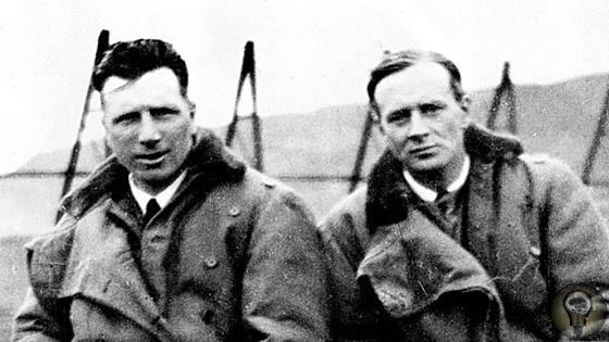 ПЕРВЫЙ ТРАНСАТЛАНТИЧЕСКИЙ ПЕРЕЛЁТ. В 1913 г. британская газета Дэйли Мэйл (Daily Mail) учредила специальный приз в 10 тысяч фунтов за первый авиаперелёт через Атлантический океан. Приз вызвал