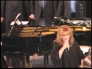 Москва 1999 Гей хор и Алла Пугачева