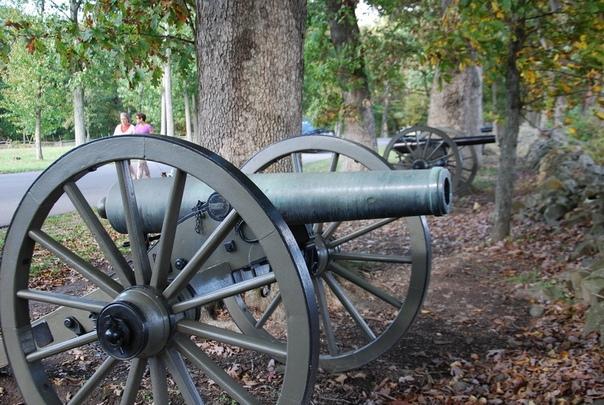 Колокола в пушки Источник - Одним из самых устойчивых мифов Северной войны является история о том, как Пётр I приказал перелить колокола в пушки. И что только с помощью этого тезиса не