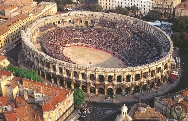 Самый хорошо сохранившийся Римский амфитеатр. Это не Колизей. У большинства людей слова «римский амфитеатр» ассоциируются с Колизеем. Да, Колизей самый большой римский амфитеатр. Но есть город,
