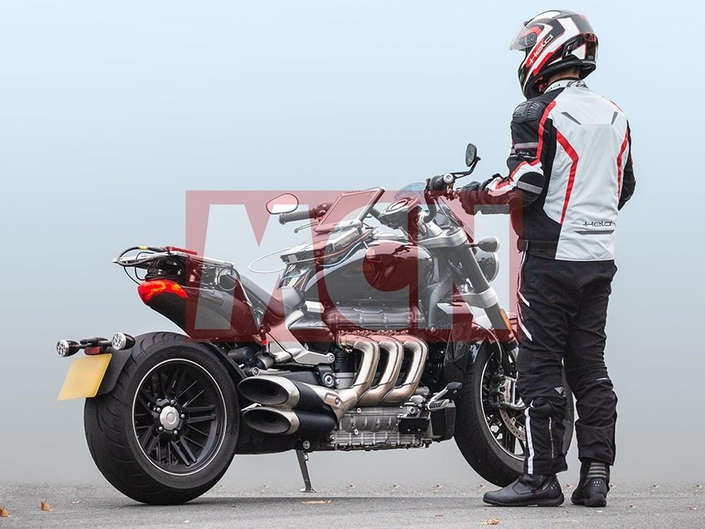 Шпионское фото нового Triumph Rocket
