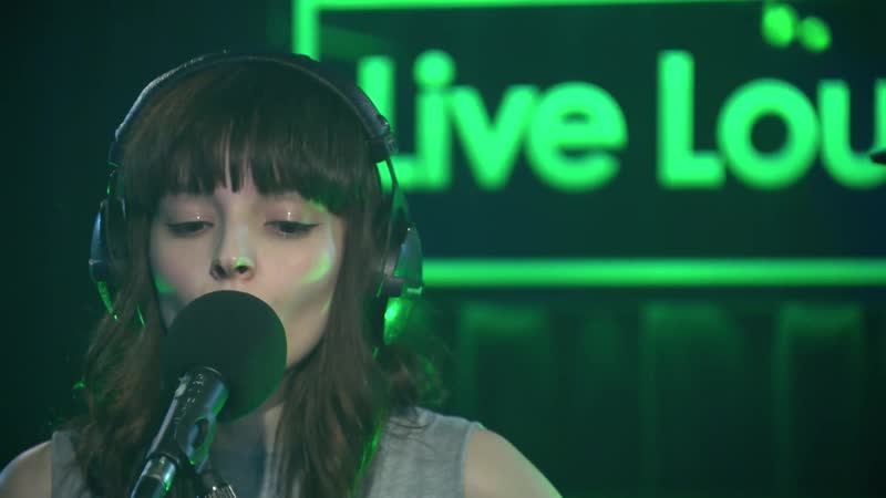CHVRCHES - What Do You Mean؟ (Justin Bieber cover in the Live Lounge)