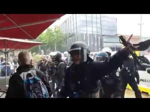 Acte 31 des Gilets jaunes à Toulouse La police gaze les consommateurs dun café