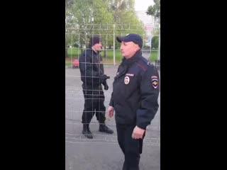 Задержание Леонида Яковлева / Екатеринбург, протесты в сквере