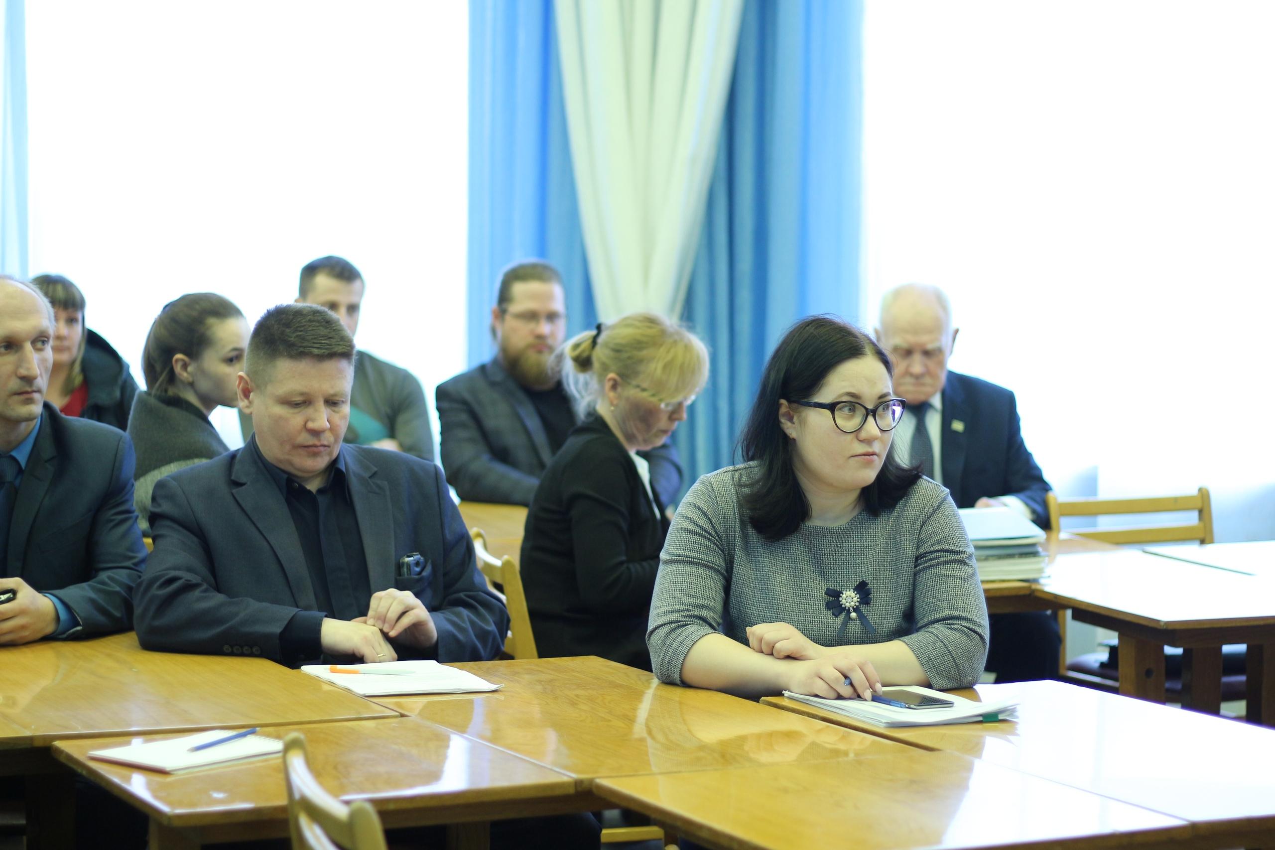 В администрации района состоялись публичные слушания по проекту рашения Совета по исполнению бюджета за 2018 год