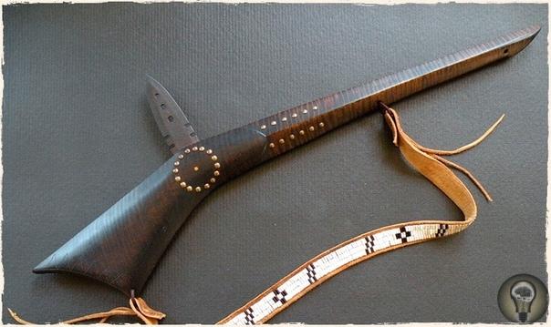 Дикое оружие прошлого. Начнем с наиболее старинных и уже весьма безумных! образцов оружия, созданных человеком. ЛЕЙОМАНО ПОЛИНЕЗИЙСКАЯ ДУБИНКА С АКУЛЬИМИ ЗУБАМИ С гавайского «лей-о-мано»