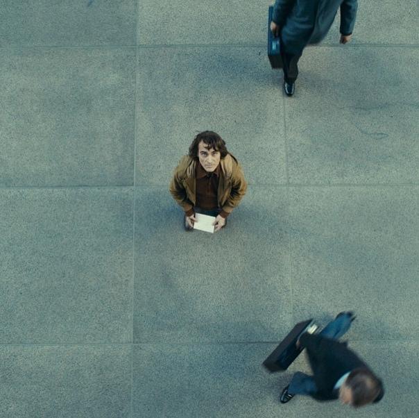 Лоуренс Шер, оператор «Джокера», поделился очередным фото со съёмок картины