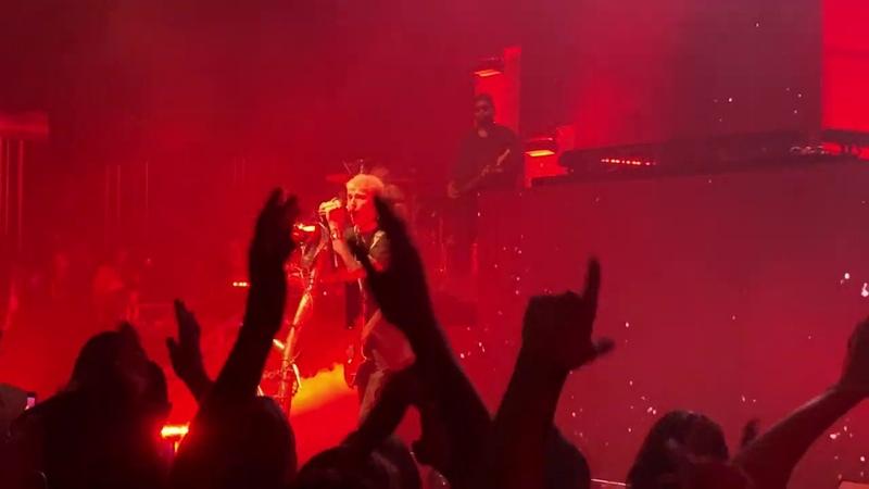 Machine Gun Kelly – I Think I'm OK (LIVE HD) - Hotel Diablo Tour 2019