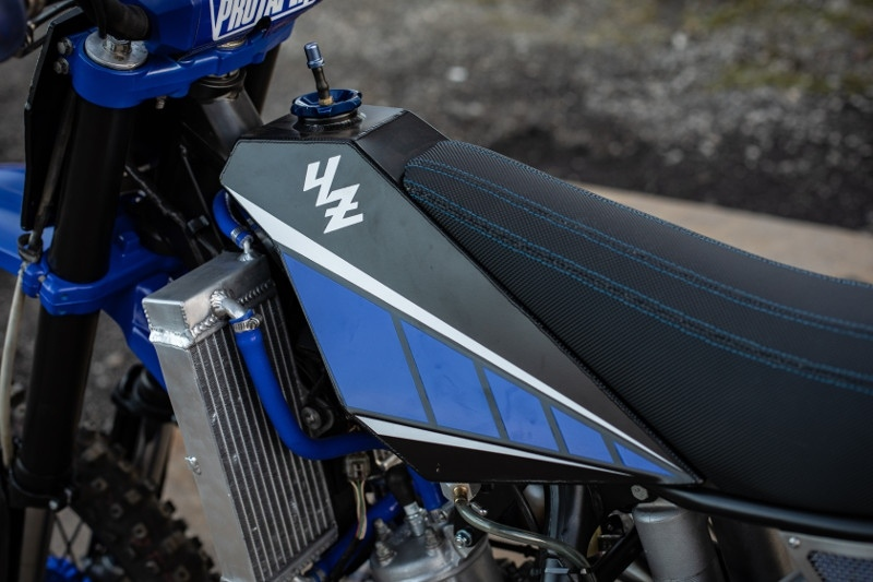 Max Miille: кастом Yamaha YZ125 The Blue Duck