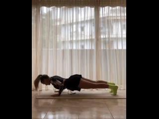Утренняя йога для заряда бодрости!!