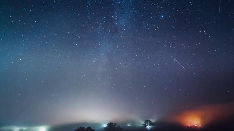 Метеорный поток Персеиды идущий от созвездия Персея