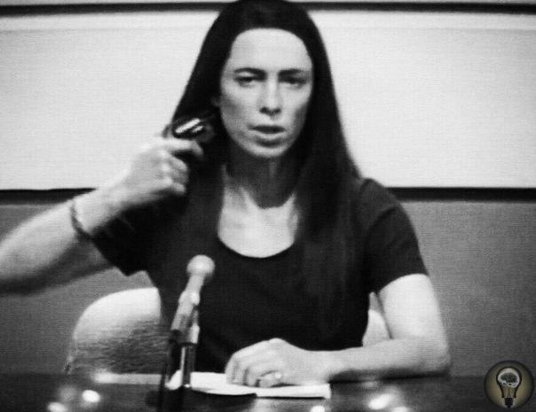 В 1974 году американская тележурналистка Кристин Чаббак совершила самоубийство в прямом эфире американского телеканала