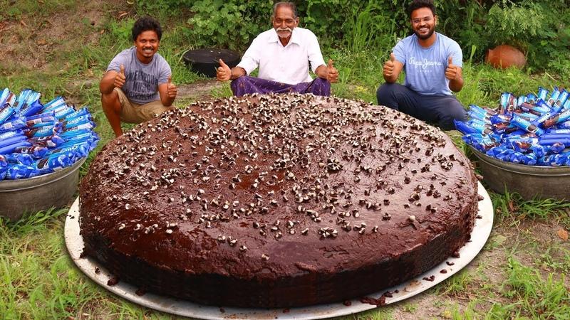BIGGEST OREO CHOCOLATE CAKE RECIPE PREPARED BY OUR GRANDPA Oreo Biscuit cake Recipe