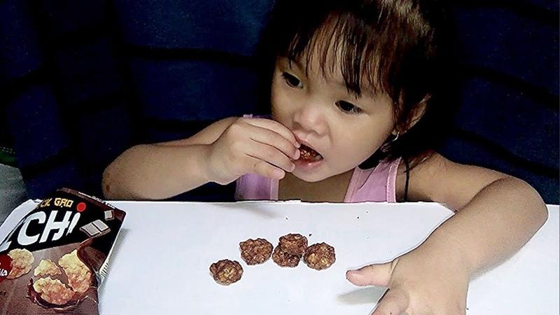 Bánh Gạo Ichi Sô cô La Có Gì Ngon - Cà Rốt Ăn Ngon Thật || Thanthu kids tv