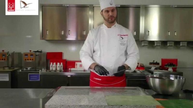 Modecor e Davide Comaschi presentano la nuova Linea di Trasferelli per cioccolato