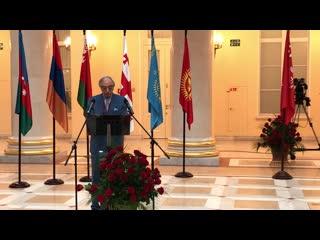 Чрезвычайный посол Азербайджана Полад Бюльбюль-оглы посетил Петербург