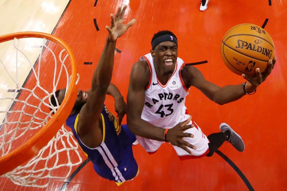 Сиакам стал 7-м игроком в истории финалов НБА, кому удалось набрать 30+ очков с 80% реализации