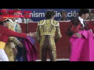 Torero public depantsed mexico член хуй голый naked nude cock penis стриптиз accident