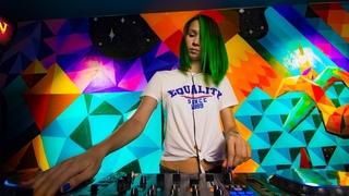 Miss Monique -  Live @ Radio Intense  // Progressive House Mix