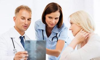 Тяжелый стеноз позвоночника может потребовать хирургического вмешательства, которое может быть или не быть эффективным.