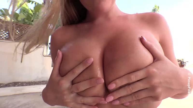 Beth Lily - Bikini Busty fitness blonde Big Tits model boobs голая грудастая сочная девушка 1080