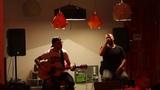 MegaloMania Acoustic wonderwall